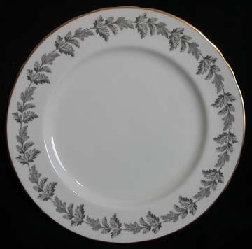 Aynsley Oak Leaf B164 - Gold Trim Plate - Dinner
