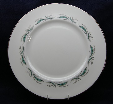 Foley Pine Spray Plate - Dinner