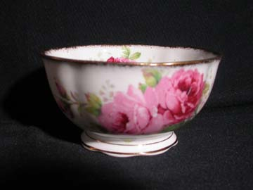 Royal Albert American Beauty Cranberry Bowl