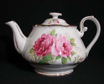 Royal Albert American Beauty Tea Pot & Lid - Small