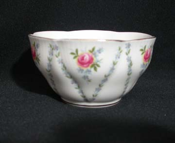 Royal Albert Minuet - Pink & Blue Sugar Bowl - Small/Open