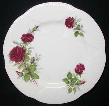 Royal Albert Royal Canadian Rose Plate - Dinner