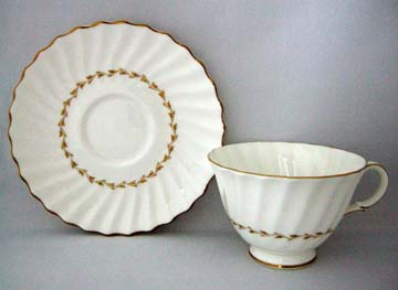 Royal Doulton Adrian H4816 Cup & Saucer