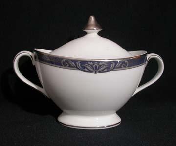 Royal Doulton Byron H5268 Sugar Bowl & Lid