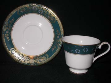 Royal Doulton Carlyle H5018 Cup & Saucer