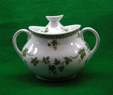 Royal Doulton Greenwich T.C. 1076 Sugar Bowl & Lid