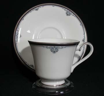 Royal Doulton Sheridan H5168 Cup & Saucer