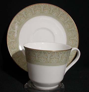 Royal Doulton Sonnet H5012 Cup & Saucer