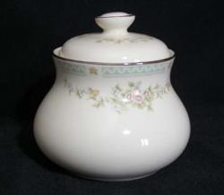 Royal Doulton Stephanie H5092 The Romance Collection Sugar Bowl & Lid
