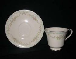Royal Doulton Stephanie H5092 The Romance Collection Cup & Saucer